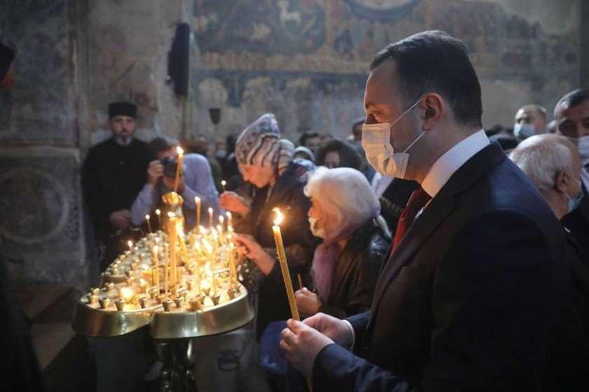 ირაკლი ღარიბაშვილი სანთელი